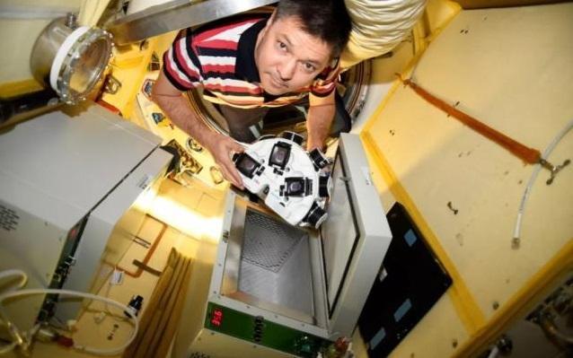 """神奇!宇航員3D打印出""""太空牛肉"""""""