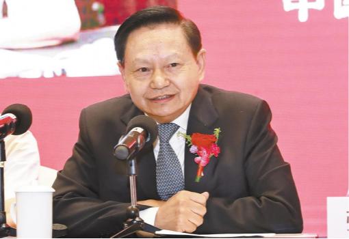 """第四届中国食品产业发展大会在沪举行,中国轻工业联合会会长张崇和在讲话中强调: 大力推动中国食品工业"""""""